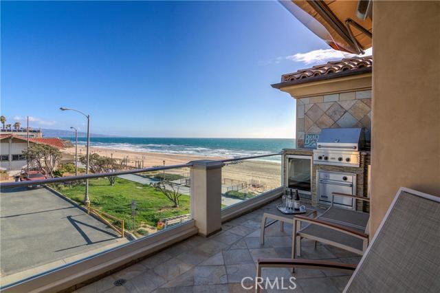 2702 The Strand, Manhattan Beach CA 90266