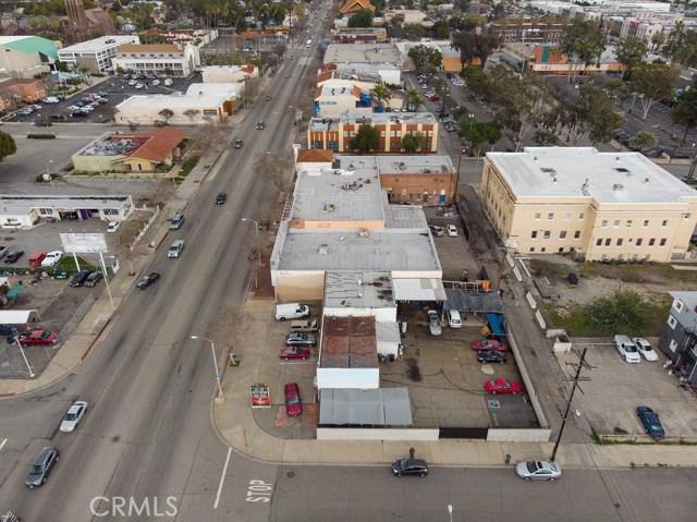 290 W Holt Avenue, Pomona CA: http://media.crmls.org/medias/d20080a6-d43f-4f41-8009-f249f3d63116.jpg