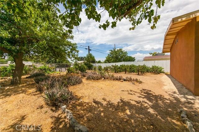 1025 BEAUMONT Avenue, Beaumont CA: http://media.crmls.org/medias/d21135e0-27d9-470a-b688-d27197104c08.jpg