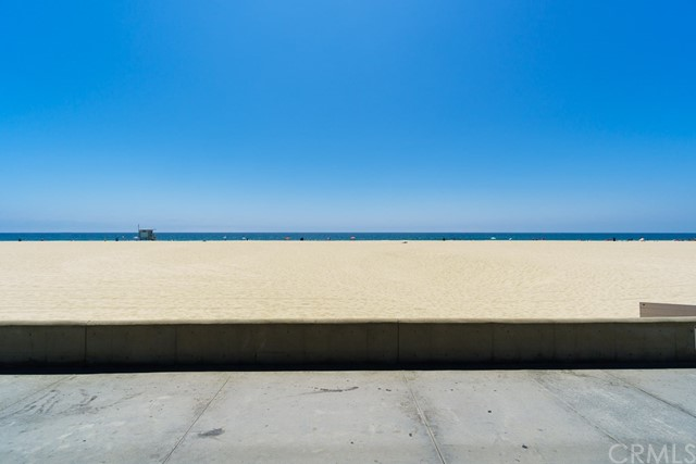 Additional photo for property listing at 1942 The Strand  Hermosa Beach, California,90254 Estados Unidos