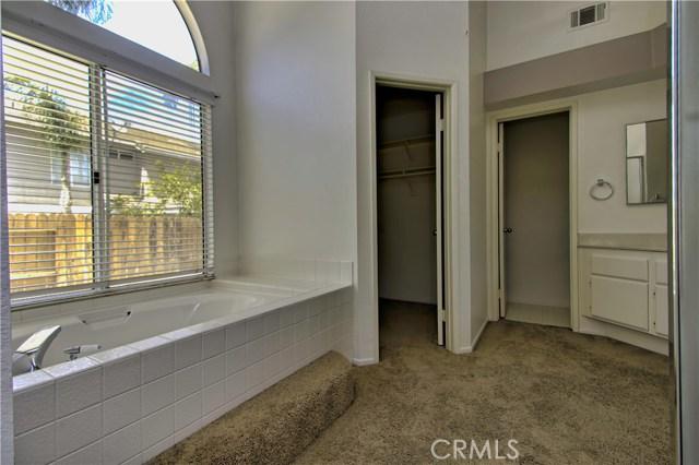 31043 Hanover Lane, Menifee CA: http://media.crmls.org/medias/d2193337-d8b0-40e5-896d-8c0eeef3b047.jpg