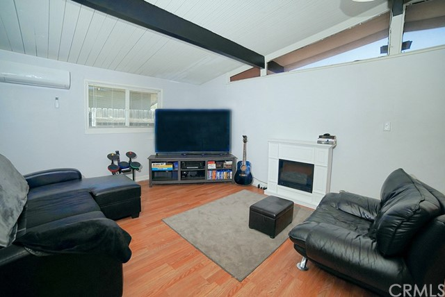 Detail Gallery Image 1 of 25 For 1341 N Allyn Ave, Ontario, CA, 91764 - 3 Beds | 1 Baths