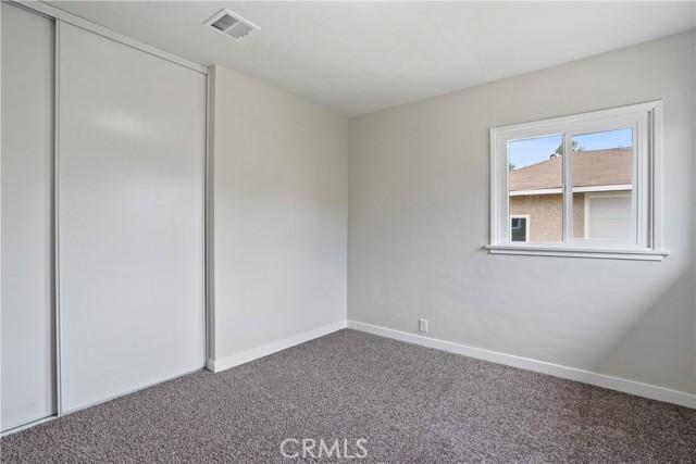 1086 W 10th Street, San Bernardino CA: http://media.crmls.org/medias/d223a047-34bf-43dc-b9d1-ac7cdf44aeb5.jpg