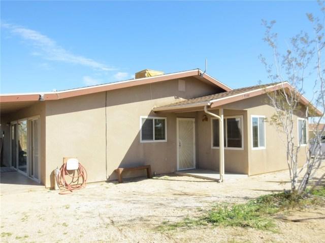 59510 Sunflower Drive, Yucca Valley CA: http://media.crmls.org/medias/d225dd98-e37f-4144-b6ee-f3c6b39347c2.jpg