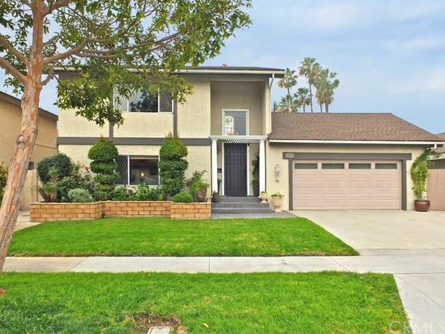 Single Family Home for Sale at 11951 Pine St Los Alamitos, California 90720 United States