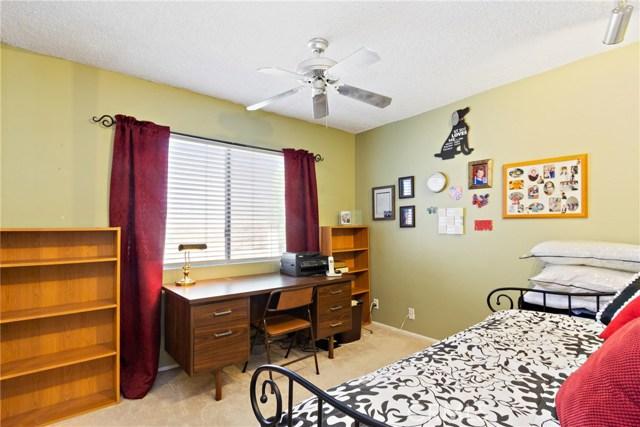 6959 E Rutgers Drive, Anaheim Hills CA: http://media.crmls.org/medias/d242f385-1d90-4e87-9aaf-14a80c6fd581.jpg
