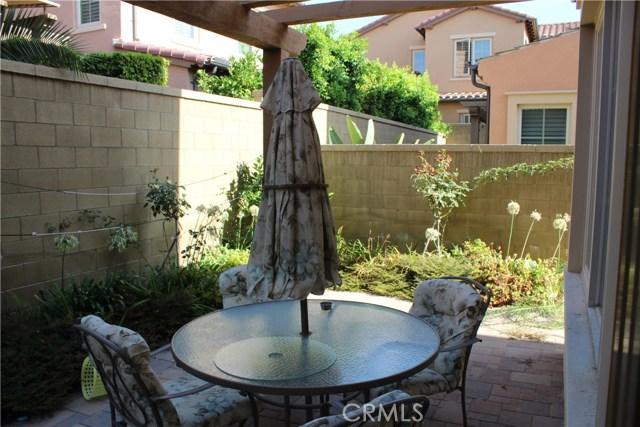 76 Bianco, Irvine CA: http://media.crmls.org/medias/d24a83b4-70e8-4364-9b80-f84945ea2f2b.jpg