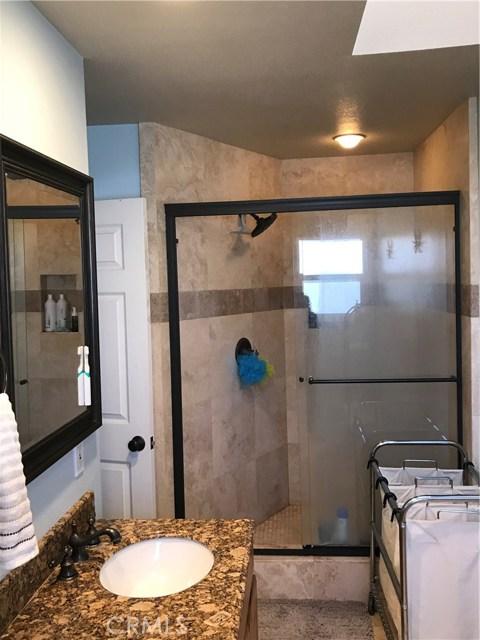 2277 Pacific Avenue, Costa Mesa CA: http://media.crmls.org/medias/d2584a63-5588-436d-9aa9-a7c23bdddfff.jpg