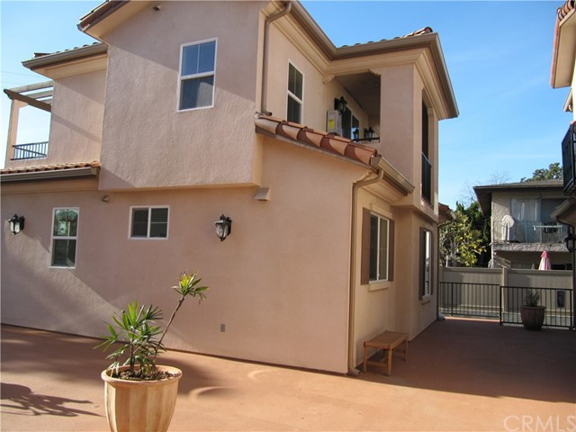 Additional photo for property listing at 111 E McLean Street  Alhambra, California 91801 Estados Unidos