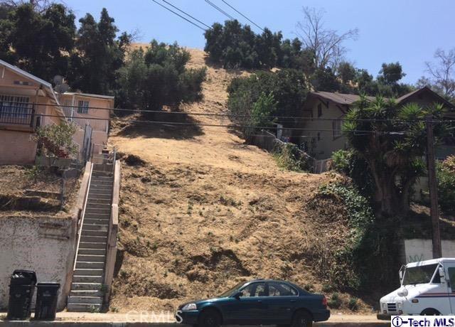3504 Griffin Ave Street, Los Angeles CA: http://media.crmls.org/medias/d27d6f56-dcce-4cde-8f65-1fa8ef89dcdd.jpg