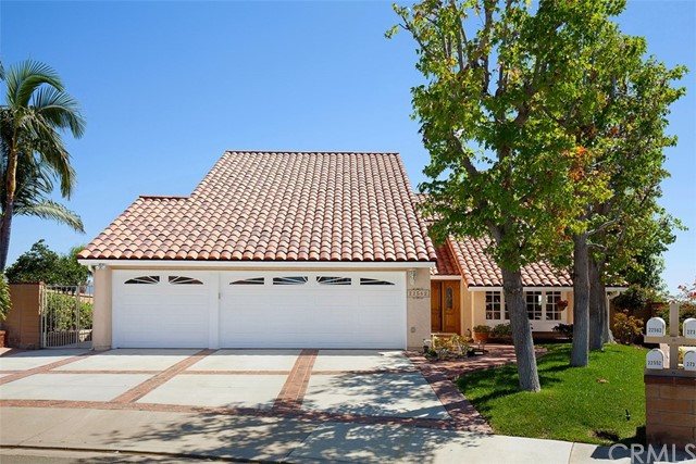 22562 Canaveras Mission Viejo, CA 92691 is listed for sale as MLS Listing OC16198307