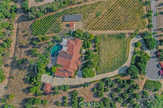 2710 Tres Lomas Court, Fallbrook CA: http://media.crmls.org/medias/d281a320-a130-4d82-ba76-691fc16a0a0d.jpg