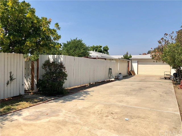13333 Earl Avenue, Baldwin Park CA: http://media.crmls.org/medias/d284c8cc-4a3b-4b4d-be3e-9423377f9b15.jpg