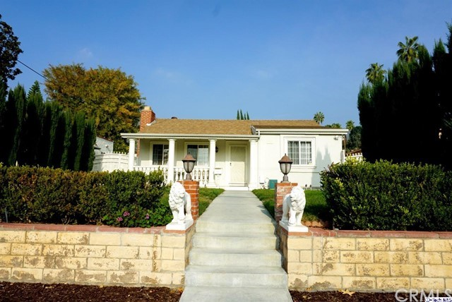 Single Family Home for Sale at 1737 Bel Aire Drive Glendale, California 91201 United States