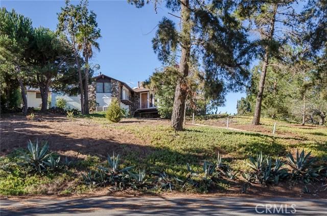 570 Raymond Avenue, Santa Maria CA: http://media.crmls.org/medias/d28b70e5-55bc-4947-a5f4-db787fdb806b.jpg