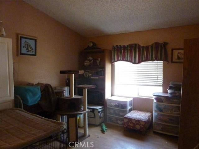 20795 Santa Rosa Mine Road, Perris CA: http://media.crmls.org/medias/d28dd56a-19ce-4e61-8334-e948a246e86e.jpg