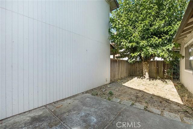 1727 Via Del Cabana Street, Lakeport CA: http://media.crmls.org/medias/d2aee578-fe01-4fdf-83f4-9f6c5685af5a.jpg