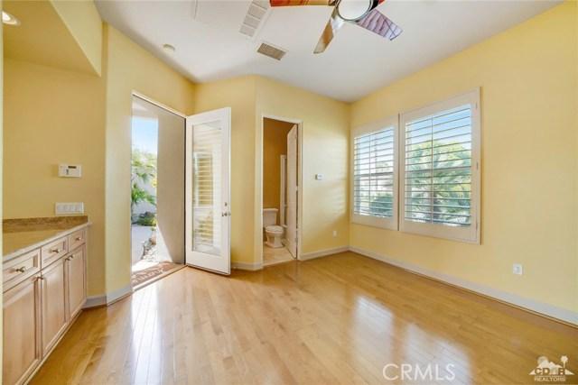 21 Toscana Way, Rancho Mirage CA: http://media.crmls.org/medias/d2aff2ab-9425-4eb8-885e-2e2c4c1b04a0.jpg