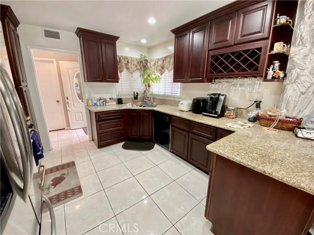 2655 W Sereno Place, Anaheim CA: http://media.crmls.org/medias/d2b8dd0b-3af3-4039-9c80-a975627bdc88.jpg