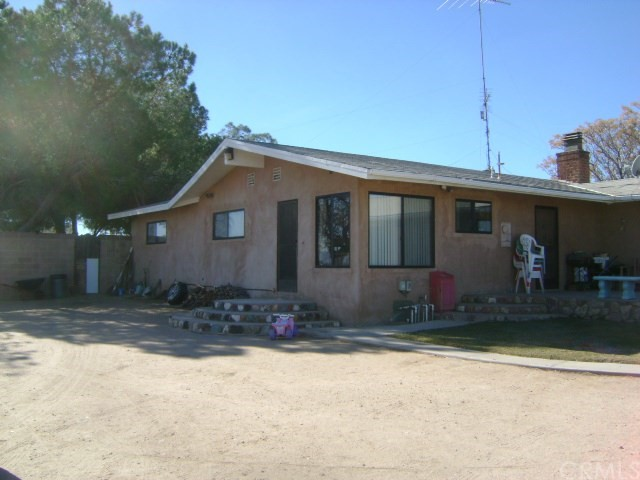 13109 Mojave / Smoke Tree Street, Victorville CA: http://media.crmls.org/medias/d2c005d5-88e4-45ba-91b9-cd6398dec8dc.jpg