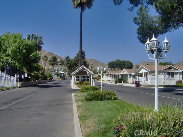 32600 State Highway 74, Hemet CA: http://media.crmls.org/medias/d2c4803f-ed71-4a3e-a105-7548777c3aa7.jpg