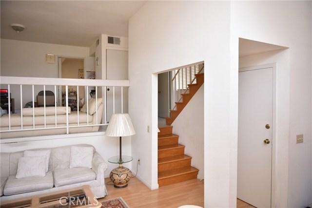 230 N Sierra Vista Street, Monterey Park CA: http://media.crmls.org/medias/d2c9e1fc-9795-4d58-8e88-ed41399e2f25.jpg