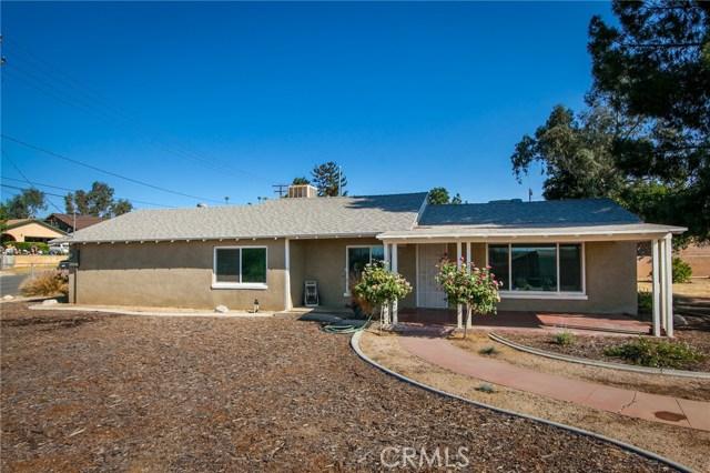 12217 17th Street, Yucaipa CA: http://media.crmls.org/medias/d2d498eb-202d-4721-a8d0-8696fe653776.jpg