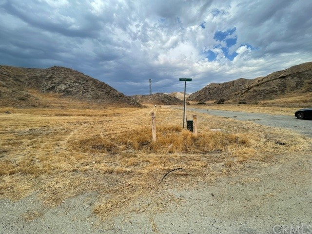 12 McGehee Drive, Moreno Valley CA: http://media.crmls.org/medias/d2d5b193-67b9-4abf-95fd-e30bf9cfb897.jpg