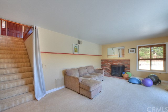 15471 Feldspar Drive, Chino Hills CA: http://media.crmls.org/medias/d2d85b12-aea1-4c6b-8f2e-57336fc0ec39.jpg