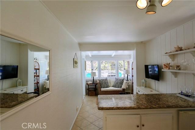 460 Saint Anns Drive, Laguna Beach CA: http://media.crmls.org/medias/d2df5f0c-0e77-4039-ac30-4d2658c5a1f3.jpg