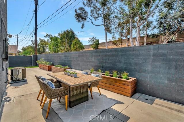 850 E 116th Place, Los Angeles CA: http://media.crmls.org/medias/d3178546-36e9-405a-aa78-fa14f8bcebfd.jpg