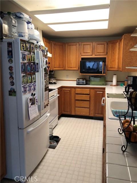 9651 Marmot Way, Kelseyville CA: http://media.crmls.org/medias/d31ba07e-f52f-4f53-bfaa-55b4d90b2e92.jpg