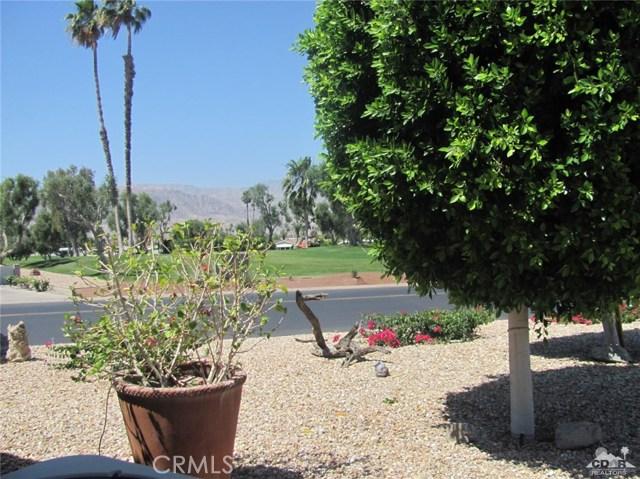 38934 Desert Greens Drive, Palm Desert CA: http://media.crmls.org/medias/d328266c-e968-4157-8467-9697aaf309a1.jpg
