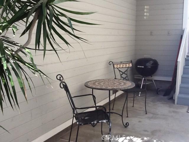 315 1/2 Diamond Avenue, Newport Beach CA: http://media.crmls.org/medias/d329d637-f16a-4a48-b3c1-ea97c3278c84.jpg