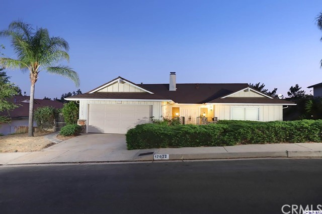 17622 Arvida Drive, Granada Hills CA: http://media.crmls.org/medias/d32a822d-dcc3-46ea-807a-9cd75abf5ffb.jpg