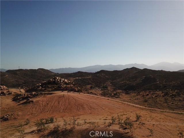 25050 El Toro Road, Perris CA: http://media.crmls.org/medias/d32ce60c-5b9c-4adb-b53e-e3fac24b3151.jpg