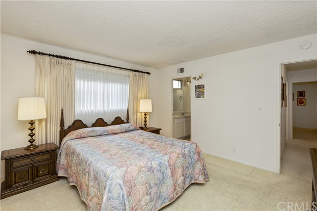 2210 E Wilson Avenue, Orange CA: http://media.crmls.org/medias/d34868b3-1229-4264-ab0a-b1508cd0adf5.jpg