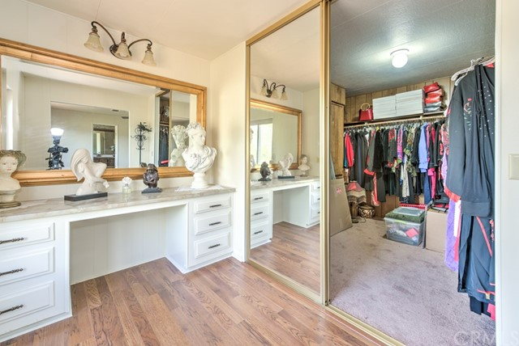 336 Walnut Drive, Lakeport CA: http://media.crmls.org/medias/d34ac4b6-246d-4c9b-9141-f944245f86d6.jpg