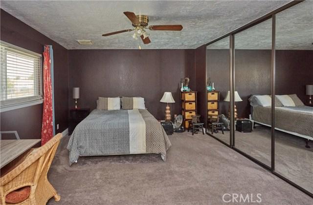 14950 Nokomis Road, Apple Valley CA: http://media.crmls.org/medias/d354e2dd-a6ee-4124-871f-b2b6fe7fdc30.jpg