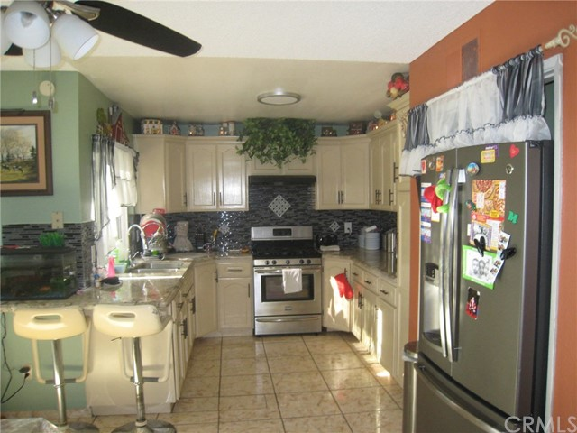 4481 Clarksdale Drive, Riverside CA: http://media.crmls.org/medias/d357456f-97b1-48ba-8405-bdb132a35bc9.jpg