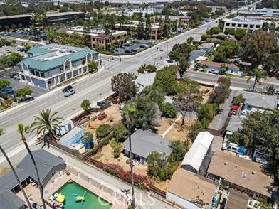 2122 Orchard Drive, Newport Beach CA: http://media.crmls.org/medias/d36726a2-6255-4a6a-828b-082212e02ce0.jpg