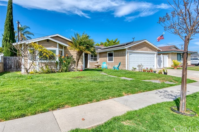 5441 Santa Barbara Avenue, Garden Grove CA: http://media.crmls.org/medias/d37a4b8a-6b25-447e-bd43-a6ff62536386.jpg