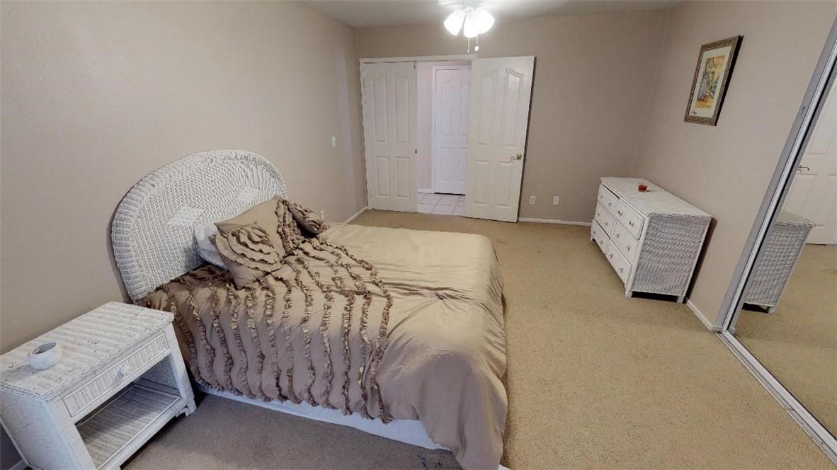 76820 Castle Court, Palm Desert CA: http://media.crmls.org/medias/d3858315-0c0c-4f73-8ef2-49e292cd52f9.jpg