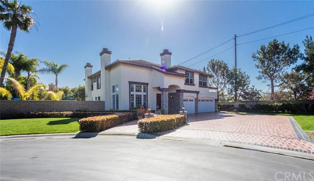 Single Family Home for Sale at 18962 Caddington St Huntington Beach, California 92648 United States
