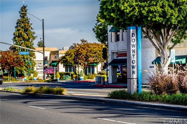 6990 N Paramount Boulevard, Long Beach CA: http://media.crmls.org/medias/d38809df-fdc5-410a-afc8-3ac51c5383b5.jpg