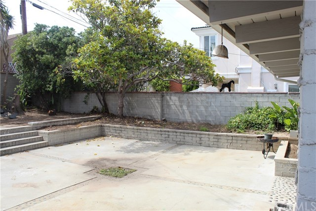 825 Center St, El Segundo, CA 90245 photo 3