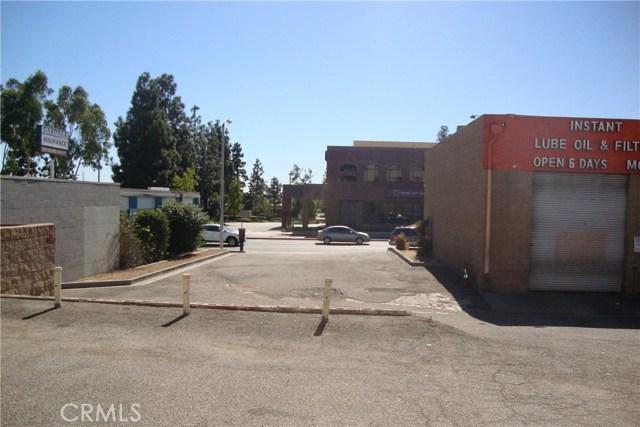 2124 W Beverly Boulevard, Montebello CA: http://media.crmls.org/medias/d3a741cb-7fcd-4a0e-b002-d1ec5b31bfa8.jpg