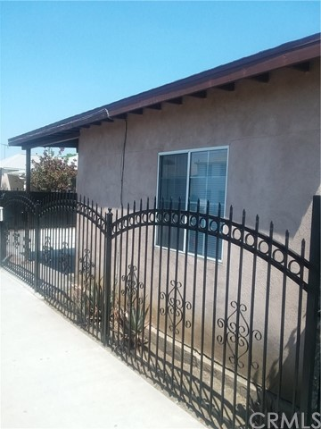 10614 S Hoover St, Los Angeles, CA 90044 Photo 3