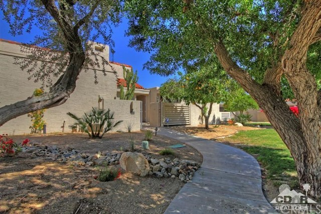 Condominium for Sale at 153 Desert West Drive Rancho Mirage, California 92270 United States