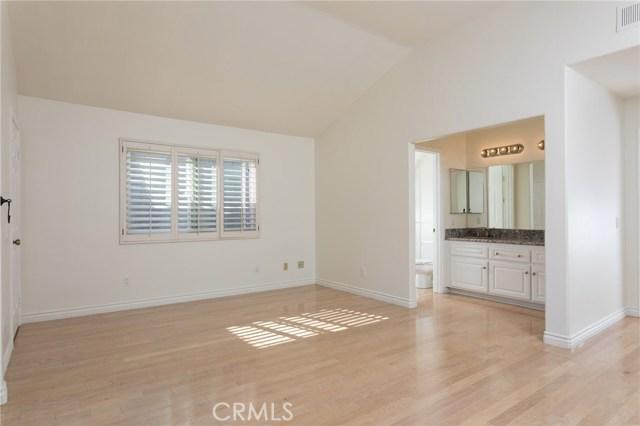 801 Alabama Street, Huntington Beach CA: http://media.crmls.org/medias/d3b45805-edf6-4876-9ce0-ac90fbe9ad96.jpg